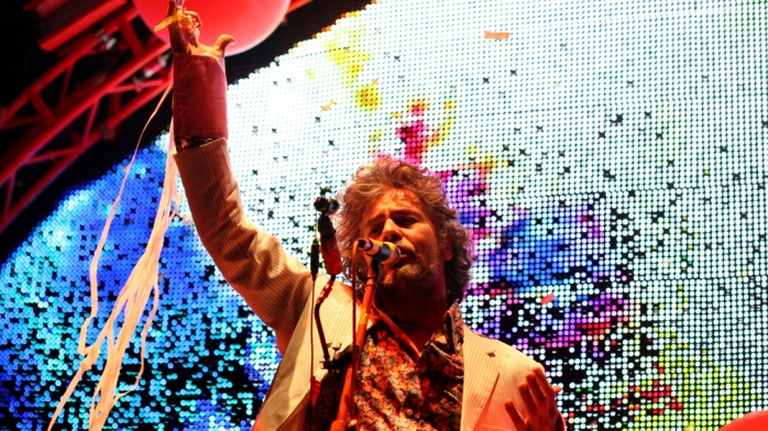 flaminglips_wide-9b83a8e06e17dbc6303234685511182d42c23aed