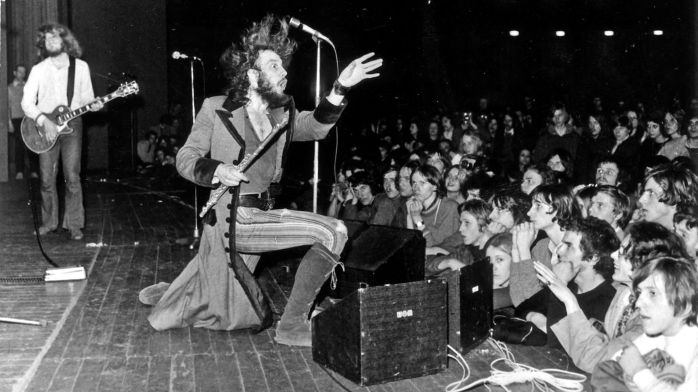 jethro_tull_stand_up_02